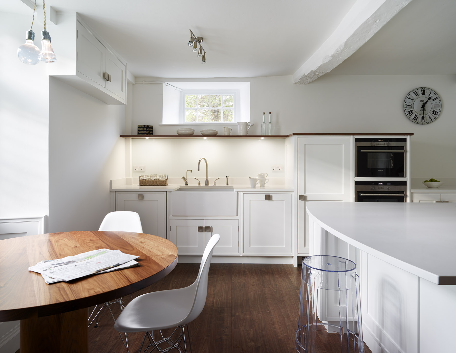 Stoke Goldington - Classic shaker style kitchen with modern features