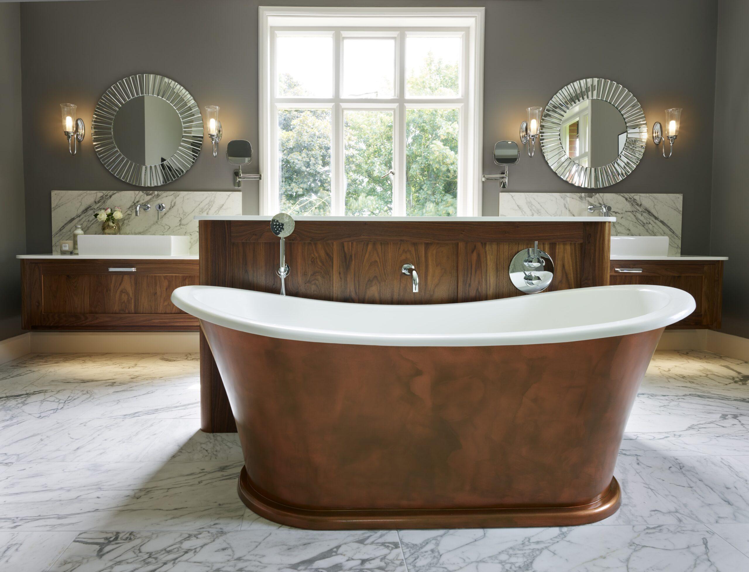 Soulbury En Suite Bath And Shower Room